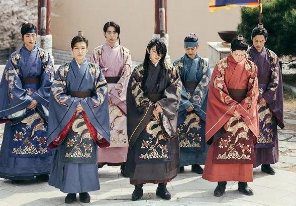 麗の8人の皇子たち