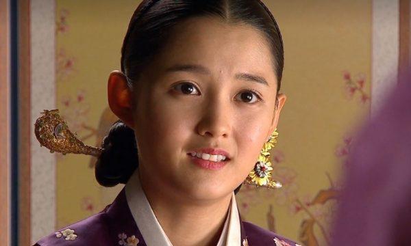ナムボラ演じるミナ王女