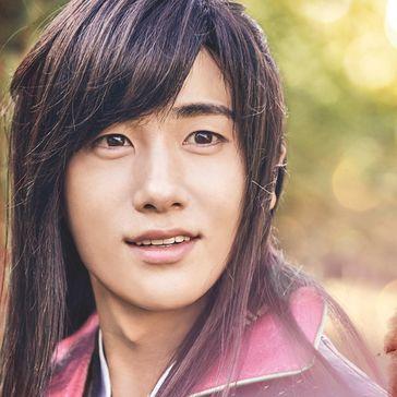 ジディ/チヌン王役のパクヒョンシク