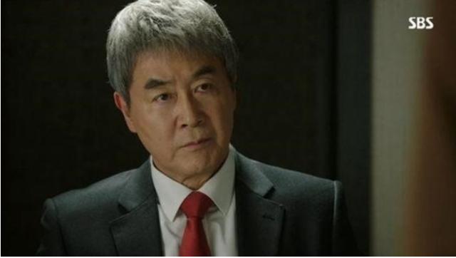 イロ会長役のハンジニ