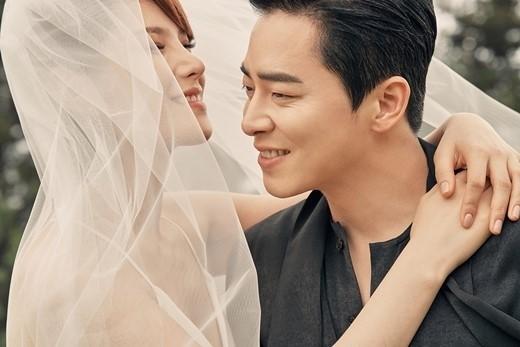 結婚式でのチョジョンソクとGUMMY①