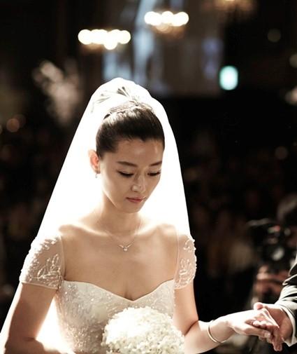 結婚式の披露宴でのチョンジヒョン