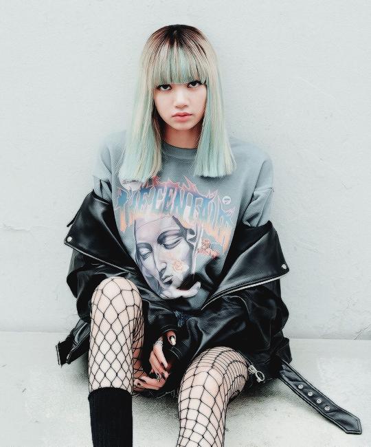 stayのリサの髪型