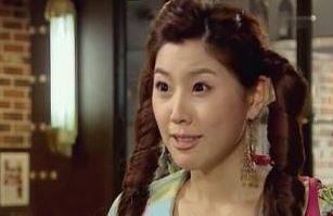 チャン・チェリ役のイ・ユンミ