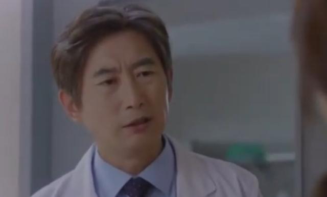 ヒョンソク役のキムウォネ