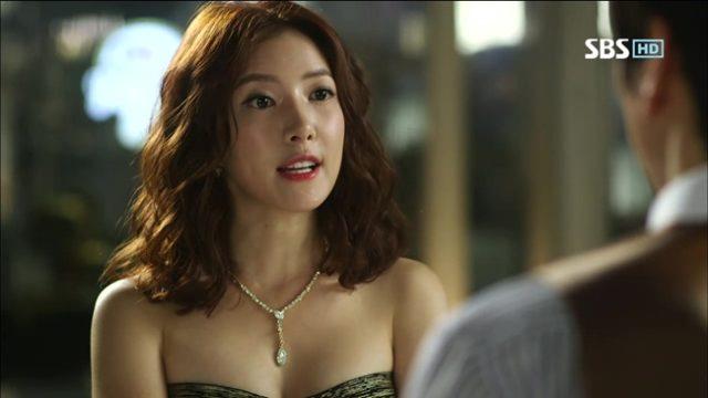 ホン・セラ役のユン・セア