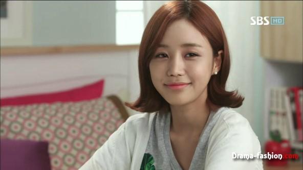イム・メアリ役のユン・ジニ