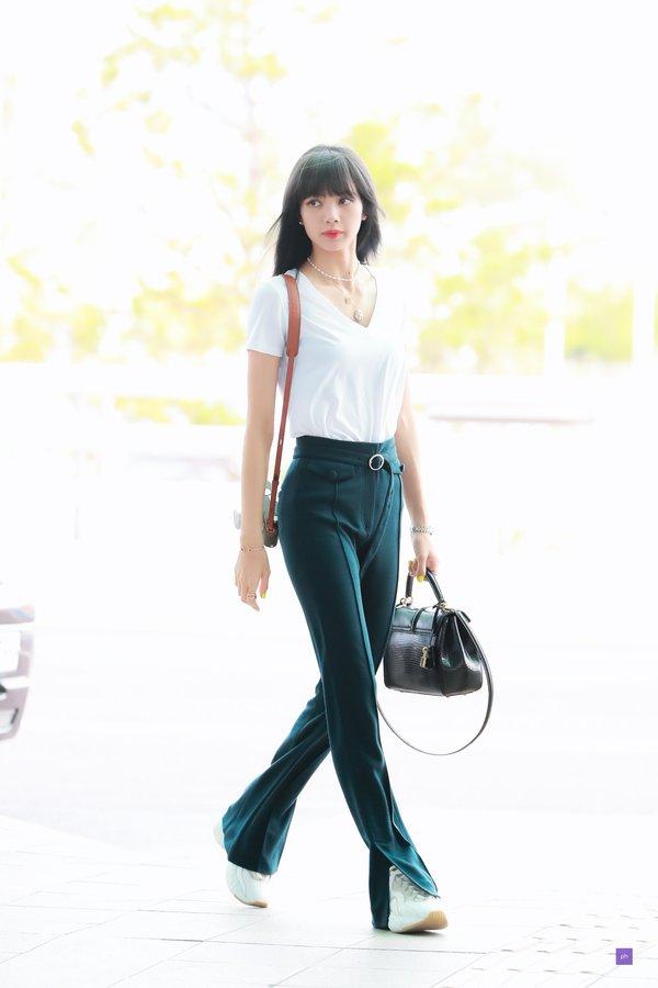 BLACKPINKリサの空港ファッション