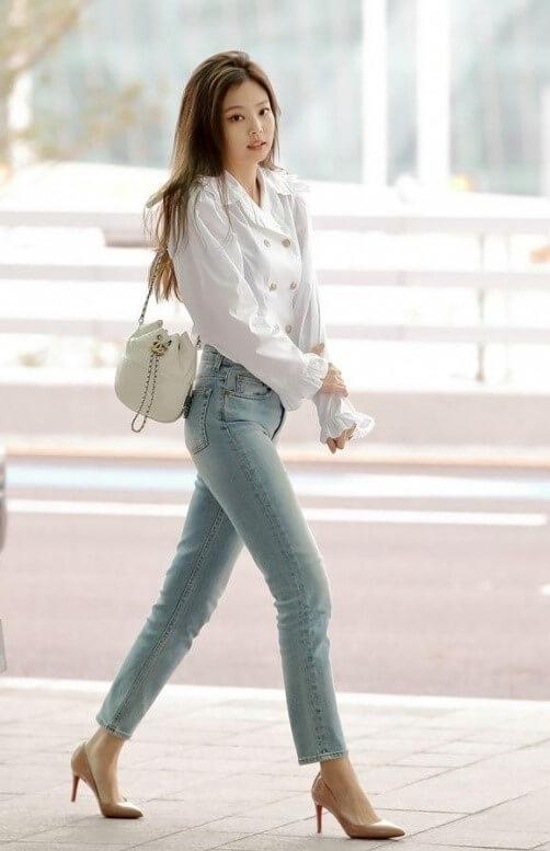 BLACKPINKジェニのシャネルづくしの空港ファッション