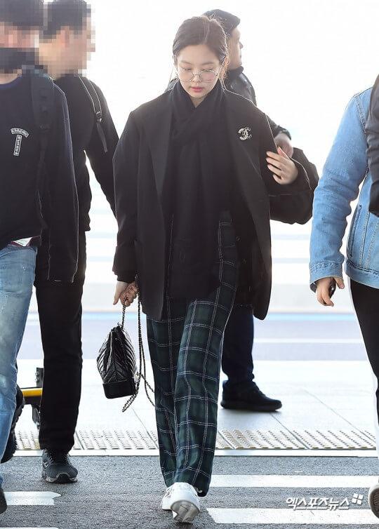 BLACKPINKジェニの冬の空港ファッション